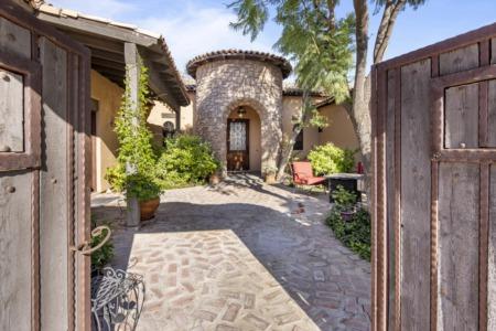 2489 N 135th Dr Goodyear, AZ || Goodyear 6 Bedroom Basement Home on 1/2 Acre