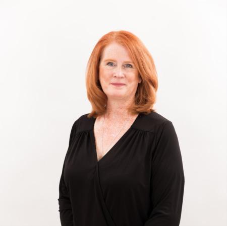 Janice MacMillan, Broker
