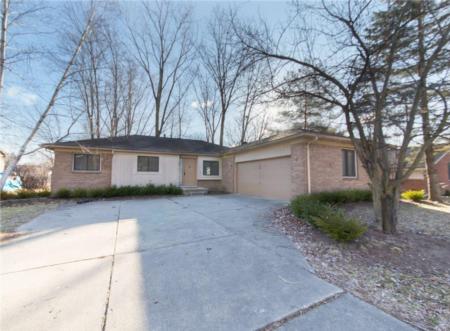 23416 Haynes St, Farmington Hills, MI