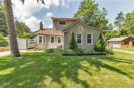 Homes for Sale in Green Lane Avenue, Livonia Under $300K!