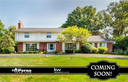 Home for Sale in Heather Hills, Farmington Hills MI under 400K! - COMING SOON