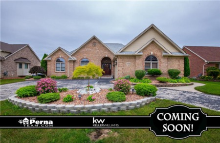Home for Sale in Stefano Meadows, Brownstown Twp under $300K! - COMING SOON