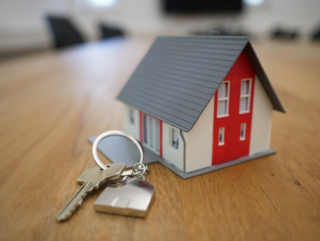 Buying a home doesn't have to be confusing.  These 10 steps will save you time, money and stress.