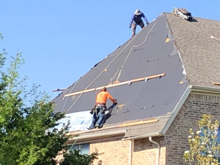 Selecting a Roofing Contractor