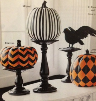 Classy Halloween decorations for your yard and home