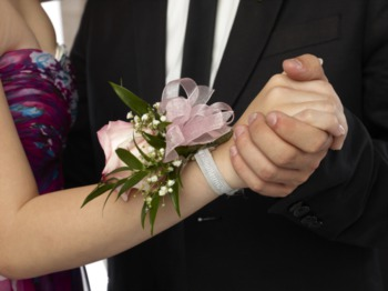 Where to Find Prom Essentials in Indy