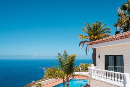 Reasons To Invest in a Tropical Vacation Home