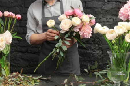 How to Make Flower Arrangements for Your Home