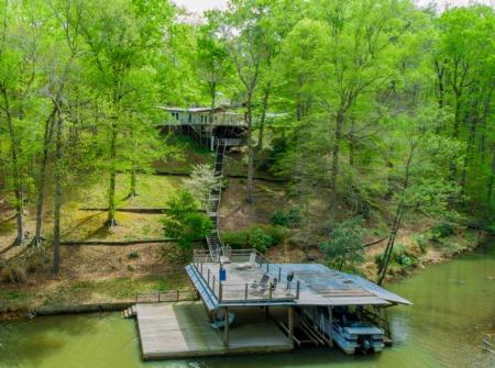 Hyco Lake Home for Sale! 259 Squirrel Ridge Road, Leasburg, NC