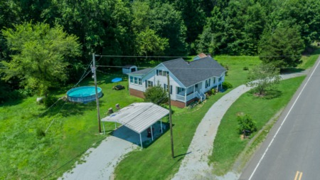 Virtual tour of Adorable Timberlake Home with a Pool! 5444 Oxford Road