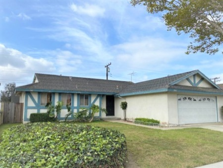 Huntington Beach Home is now Pending