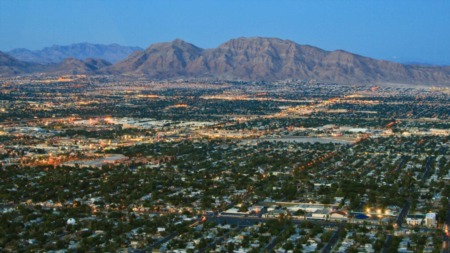 Retiring in Nevada: Pros and Cons