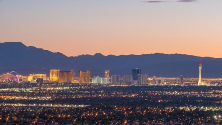 20 Awesome Reasons for Moving to Las Vegas