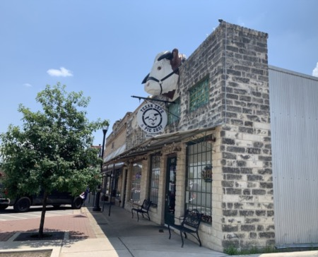 Texan Cafe Pie Shop to close Sundays starting in July