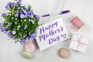 Ways to Celebrate Mom on Mother's Day 2019