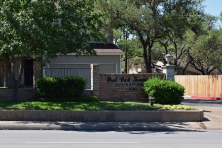 Post Oak Townhome Style Condo