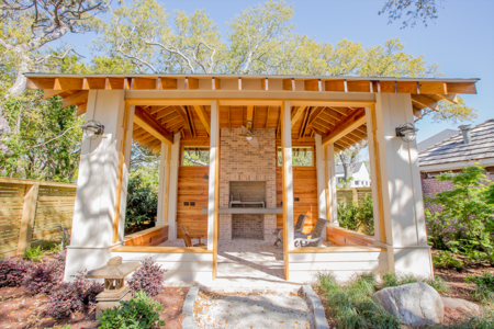 Making an Outdoor Living Space? These Tips Can Help!