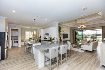 Real Estate 101 in Lakewood Ranch: Staging Resales in a New Construction Market