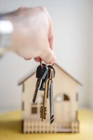 What Are Real Estate Closing Costs for Home Buyers?