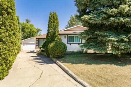 Real Estate Crush | Remarkable Morinville Bungalow