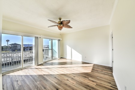 Take a Look at this Recently Renovated Townhome on Navarre Beach!