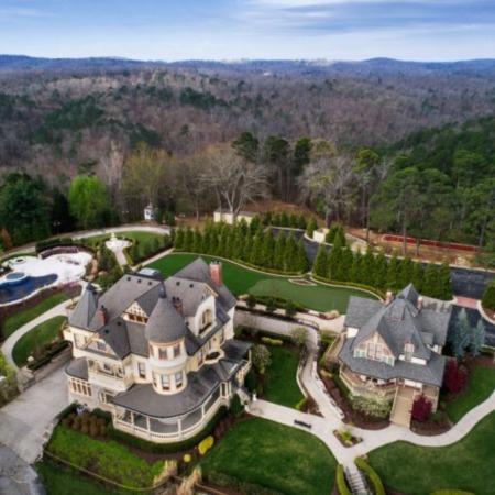 A Historic Mansion in Eureka Springs, Arkansas