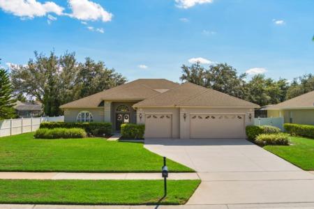 13131 Lakeshore Grove Dr., Winter Garden FL 34787