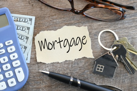 Mortgage Rates Hover Just Above Lows