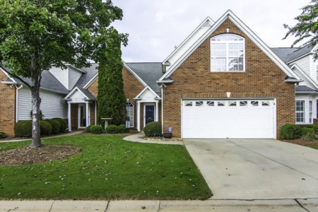 New Listing: 202 Chadwyck Ct, Greenville (UNDER CONTRACT)