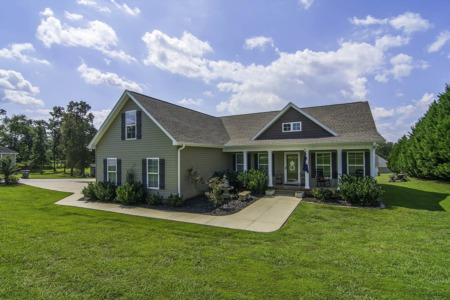 New Listing: 2 Saddle Creek Ct, Greer