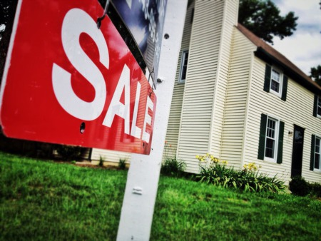 Americans Think It's A Good Time To Sell A House