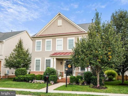 New gorgeous listings for sale in Brambleton