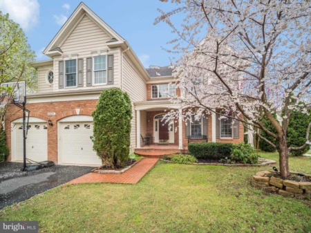43075 Barons Street Home for Sale in Chantilly, VA