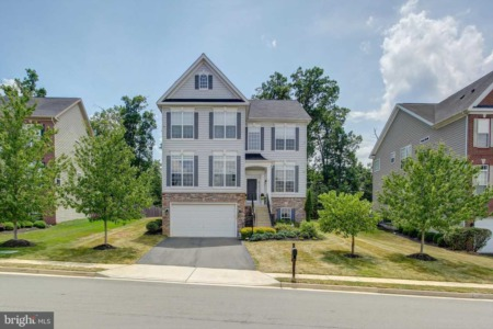 Home For Sale in Leesburg, VA: 43175 Rosehaven Place