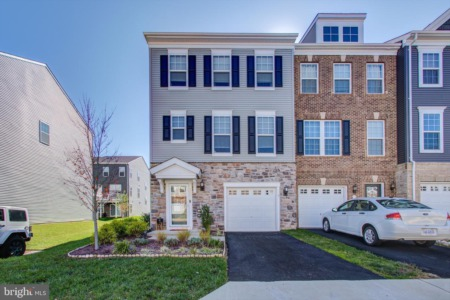 10554 Hinton Way: Featured Townhome for sale in Manassas VA