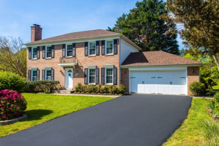 9421 Meadow Shire Ln- Great Falls Colonial