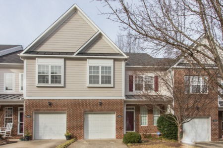 New Listing!  3 Bedroom/2.5 Bath Townhome!