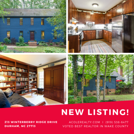 *NEW LISTING* Charming Colonial style home!