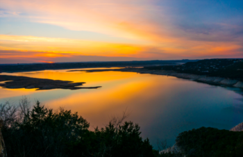 What does Lake Travis Provide for Spring Break?
