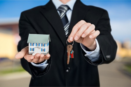 Home Sellers: What to Look for in a Real Estate Agent