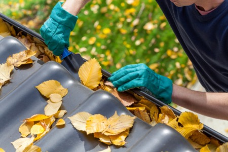 Got Grimy Gutters? Try These Easy Gutter Cleaning Tips