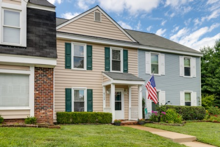 8708 Hermitage Trace – JUST LISTED