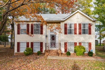 Maplewood Farms Home - JUST LISTED!