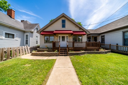 Totally Remodeled 2 bed, 2 bath New Albany Home!