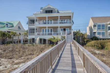 Custom Oceanfront Home in Garden City