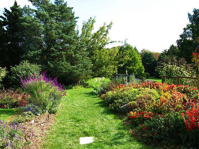 Rutgers Garden - Image Credit: http://en.wikipedia.org/wiki/File:Rutgers_Gardens3639659369_18e3f58373_b.jpg