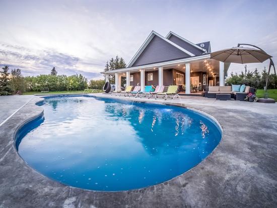 Kelowna Homes With Pools