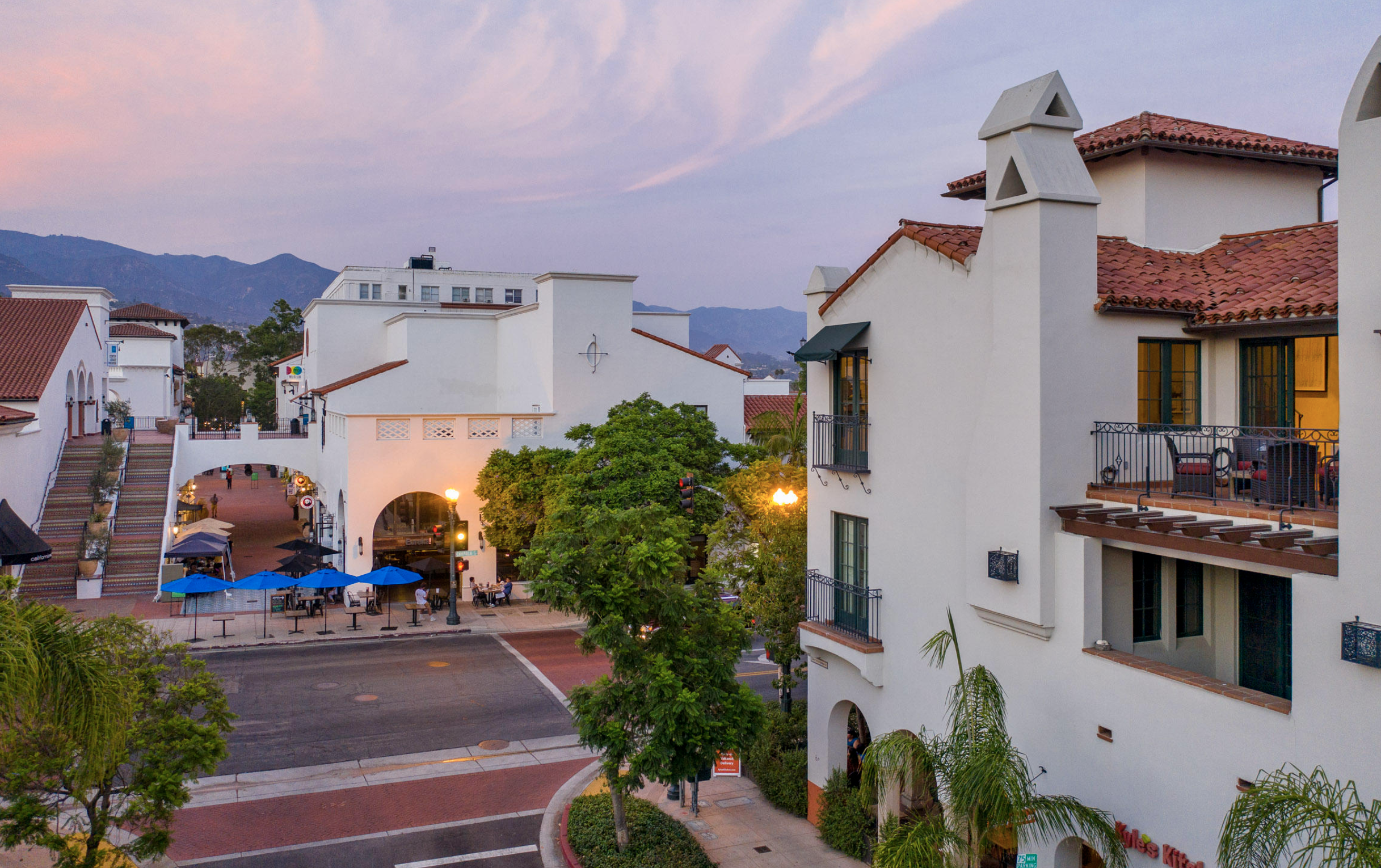 Exterior View Prime Downtown Santa Barbara
