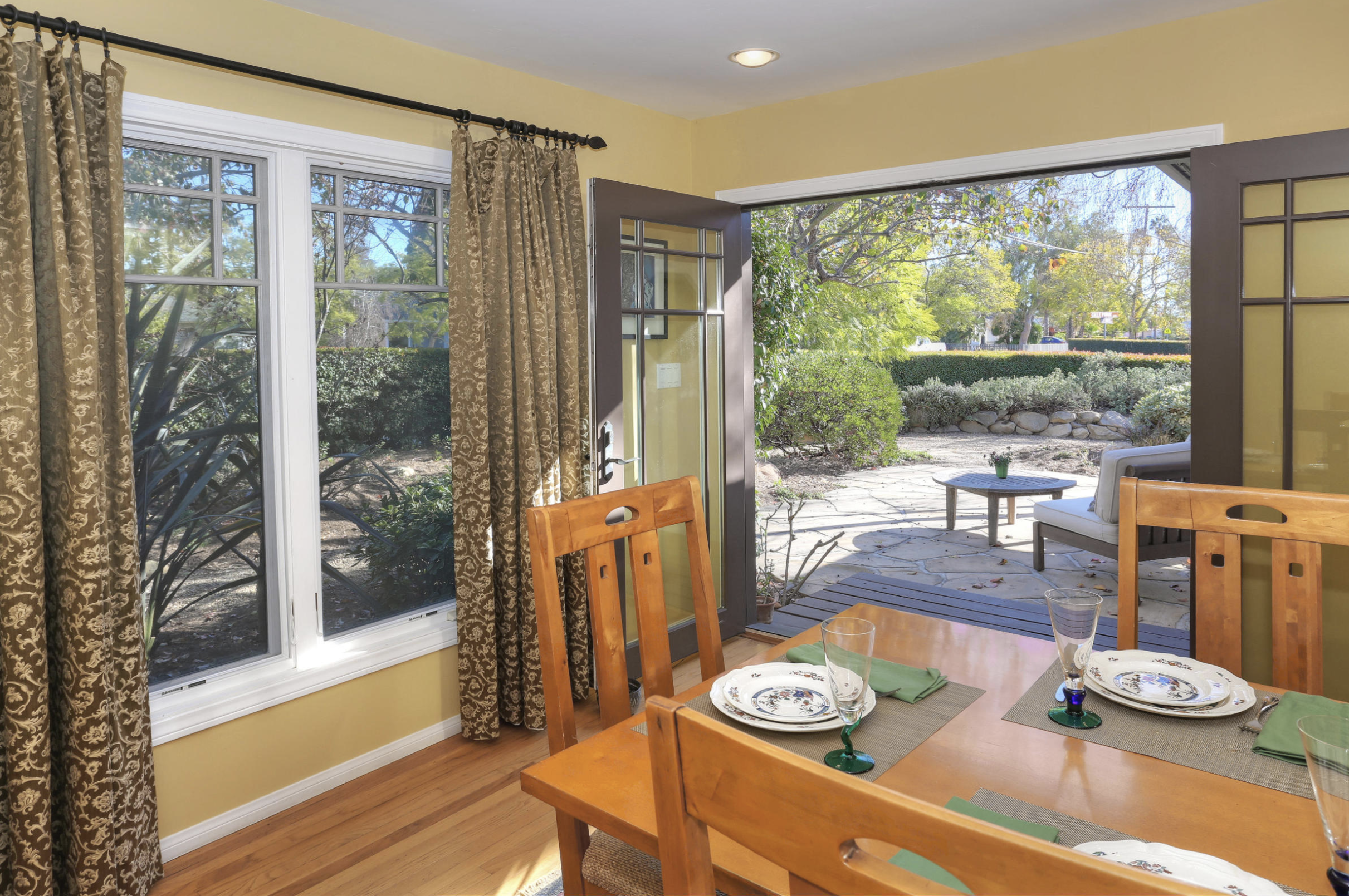 Dining and Entrance to Back Yard