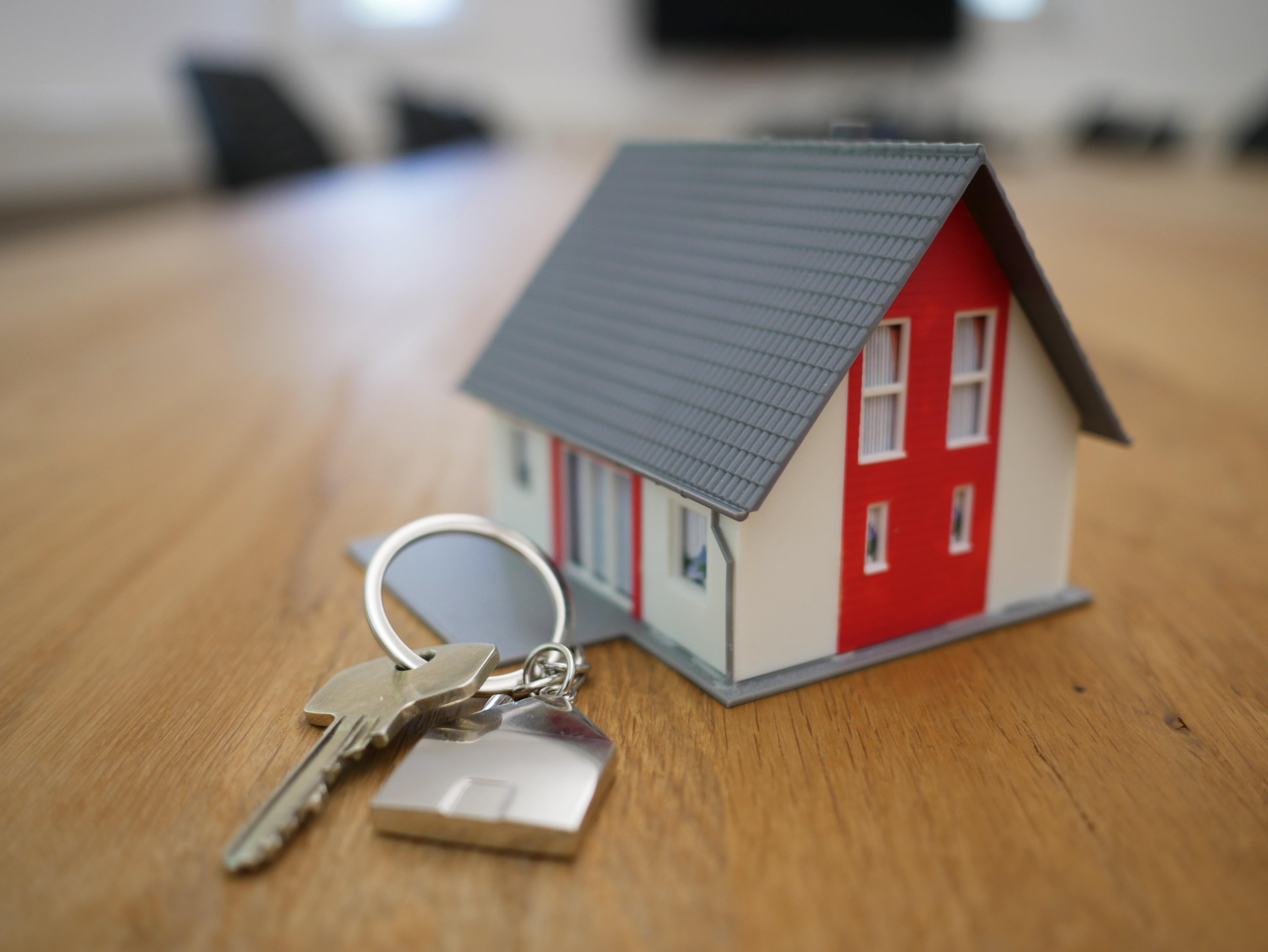 house keys on closing table